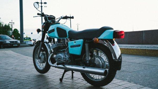 «Поменял спортбайк на ЭТО»: О впечатлениях от 20-летнего мотоцикла ИЖ «Юпитер-5» рассказал блогер