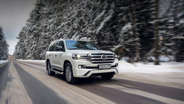 «С Крузаком – хоть в разведку»: Впечатлениями от Toyota Land Cruiser 200 на газу поделился владелец