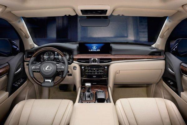 Пафос в нищей стране: Кому нужен Lexus LX 570 вместо «Крузака»?