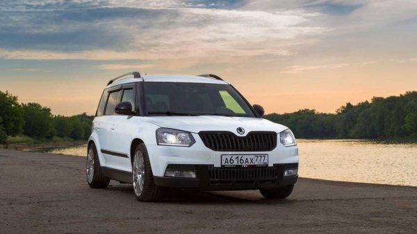 Баварский «трактор» против «Пакета молока»: «Заряженные» BMW X3 и Skoda Yeti сравнили в гонке