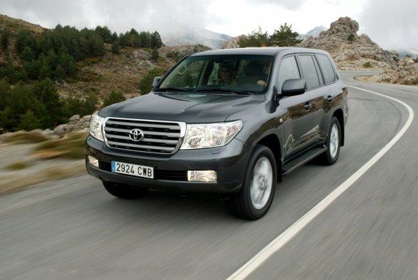 Toyota Land Cruiser 200 «без мотора» за 900 000 р. Чего ожидать от дешевого «Кукурузера» с пробегом?