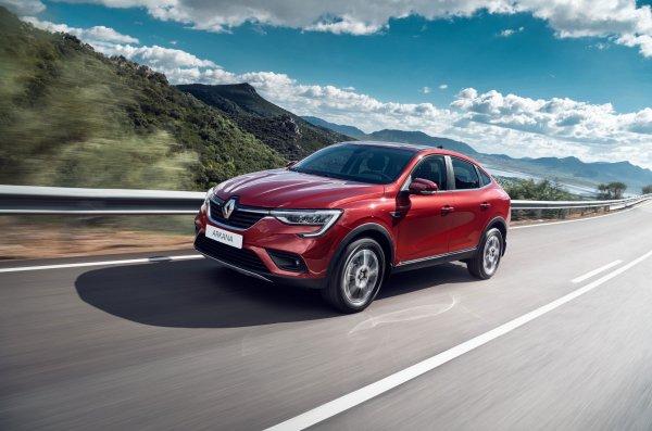 «Битва кроссоверов»: Renault Arkana сразилась с Renault Duster на бездорожье