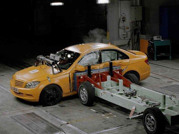 Какие автомобили надежнее – старые или новые? Эксперты провели краш-тест популярных моделей