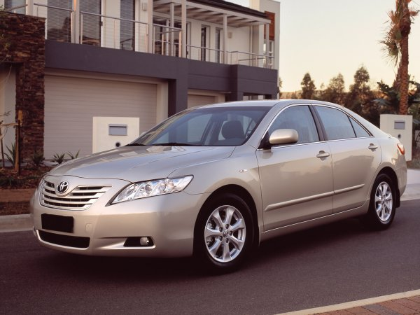 «За это ведро 400 тысяч?»: Перекупщик рассказал о «разводе» при покупке Toyota Camry с пробегом