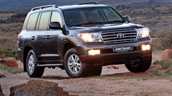 Вся правда о «Крузаке»: Блогер рассказал за что любят Toyota Land Cruiser 200
