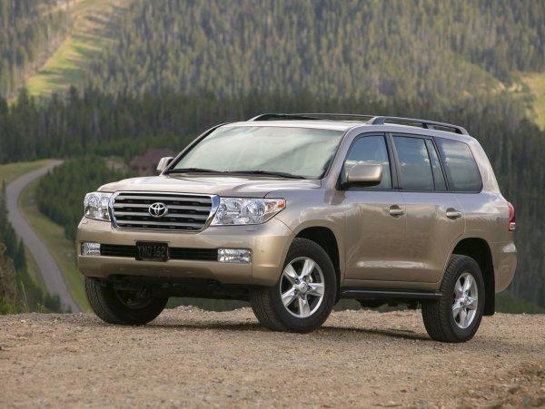 Меняные крылья и ржавчина: Когда не стоит покупать подержанный Toyota Land Cruiser 200 – блогер