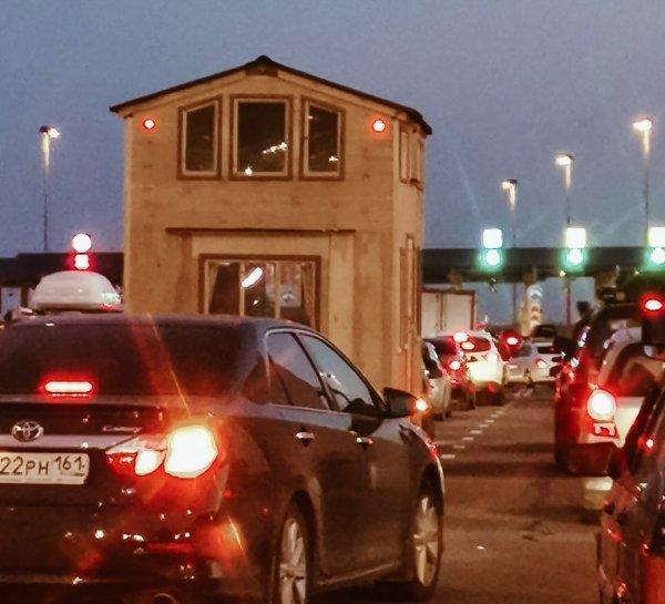 «На море со своим жильем»: Пользователей удивило необычное авто на трассе М4 «Дон»