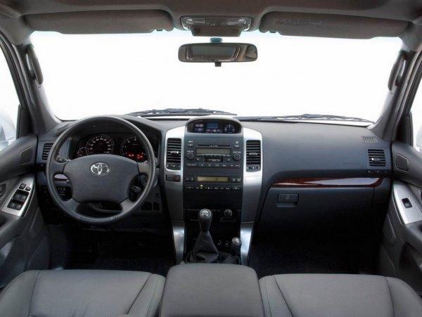 Дешевле новое поставить? Стоит ли полировать лобовое стекло Toyota Land Cruiser Prado