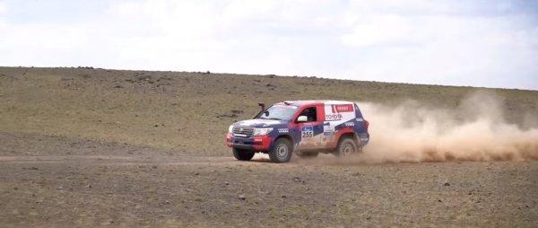 Самый дорогой «Крузак» России: Блогер показал «рейдовый» Toyota Land Cruiser 200 за 11 млн рублей