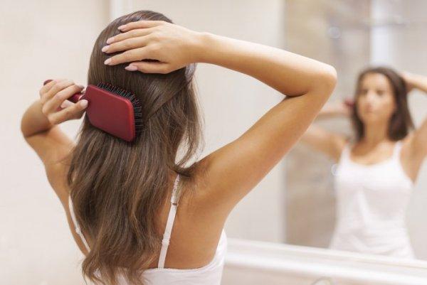 «Без шевелюры не останетесь»: Бьюти-блогер раскрыла причину выпадения волос