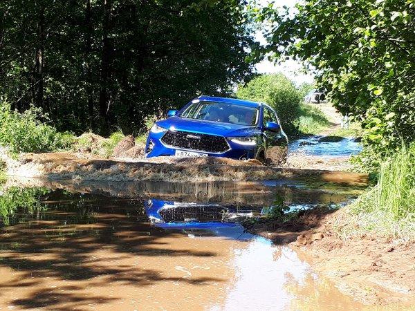 «Это конец!»: Эксперты вынесли вердикт по результатам теста новых Mitsubishi Outlander и Haval F7