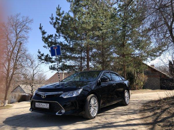 Кусок ведра за 000: Обзорщик «разнёс» Toyota Camry V55