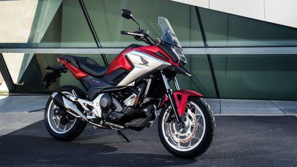 Идеальный мотоцикл для новичка: Представлен обзор Honda NC750X на АКПП