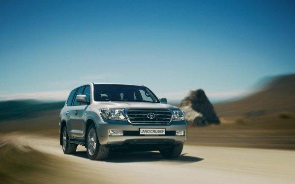 Новому Toyota LC Prado лучше предпочесть б/у Land Cruiser 200 – сеть: «Брать Прадо – много ума не надо»