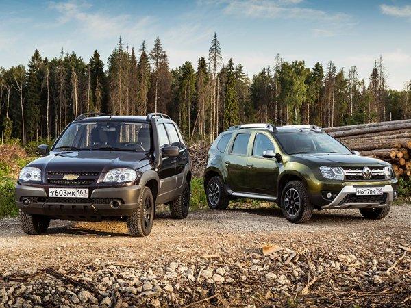 «Стоит ли доплачивать?»: Блогер сравнил Renault Duster и Chevrolet Niva