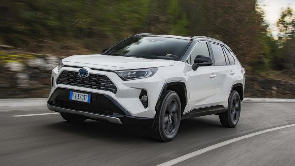 Toyota RAV4: Можно ли заказать машину без «допов»? - блогер