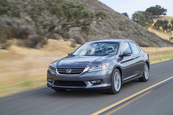 «Хонда – сила, а не эти одноразовые шушлайки»: Honda Accord с 3,7-литровым мотором оказалась «злее» «злых» VAG`ов в классической дисциплине старта