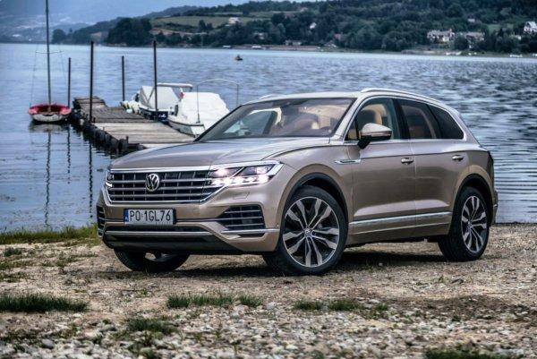 «Есть такая традиция у ВАГа - наёкивать людей»: Автолюбители прокомментировали ответы дилера по Volkswagen Touareg 2019 года