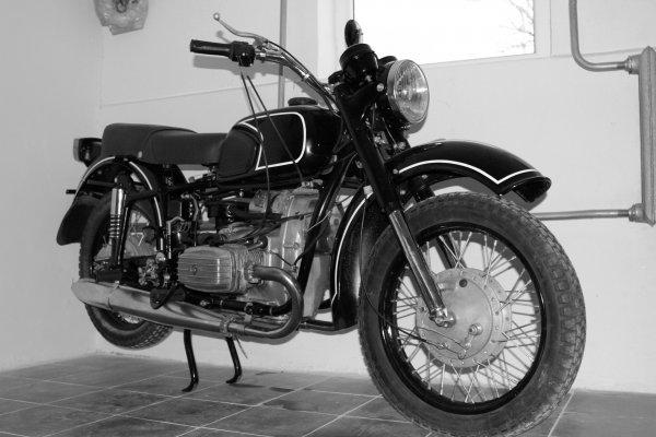 «Это много!»: Блогер разогнал стоковый мотоцикл Днепр МТ-11 до максимальной скорости