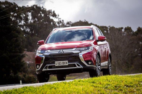 «Самая адекватная машина из тех, на которых ездил»: Автовладелец поделился впечатлениями от Mitsubishi Outlander 2018