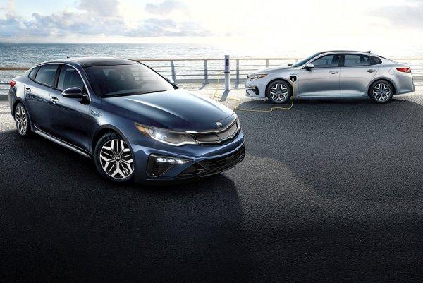 «Toyota Camry и Hyundai Sonata, до свидания!» Блогер восхищён рестайлингом Kia Optima 2020
