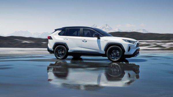 «Готовьте ваши денежки»: Эксперт объяснил, чего ожидать от ремонта нового Toyota RAV4