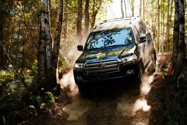 Гламурные грузоперевозки: Toyota Land Cruiser официально стал коммерческим грузовиком