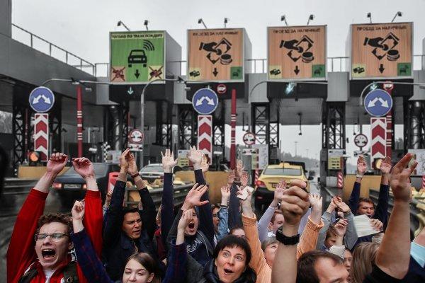 Вставай, проклятьем заклеймённый: От слов к делу — начались митинги против поборов на трассе М4 «Дон»