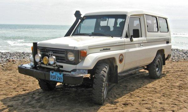 Восстановить или забить? Стоит ли покупать «убитый» 20-летний Toyota Land Cruiser 70