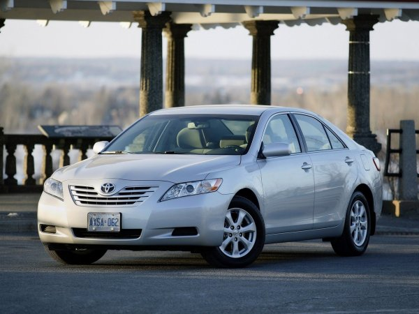 Автомойщикам подзатыльников надавать - вот и весь ремонт: Как ездить на Toyota Camry и не поседеть – владелец