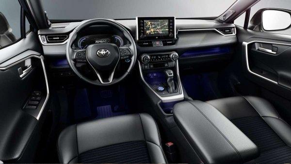 Китайские «убийцы» и рядом не стояли: Новый Toyota RAV4 ставит рекорды по продажам