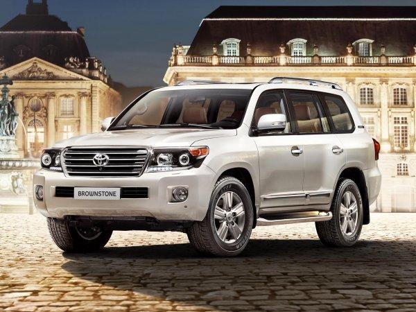 Еще мощнее и «агрессивнее»: Раскрыты новые подробности о Toyota Land Cruiser 300