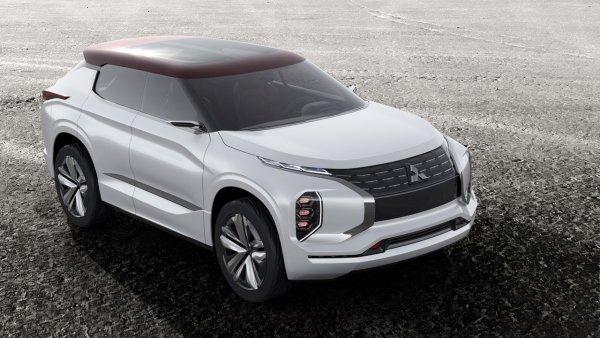 «Аут» в ауте. Игра окончена? Новый Mitsubishi Outlander превратится в городской кроссовер – на дно, вслед за «Паджериком»!
