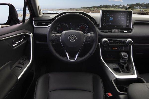 Toyota, где качество? Toyota RAV4 разочаровывает владельцев