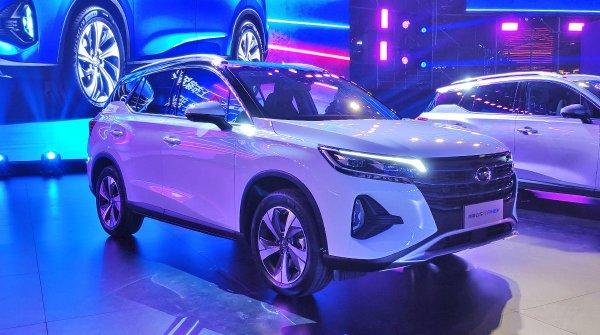 За настоящее японское качество надо платить: Почему россияне выберут Toyota RAV4 вместо GAC Trumpchi GS4, несмотря на высокую цену