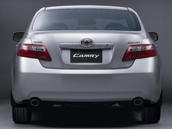 Говорят, что Toyota Camry 40 – авто для пенсионеров. Так ли это на самом деле?