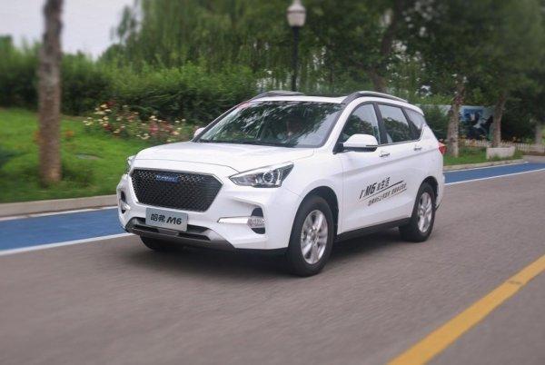 Китайский «Аутлендер» за 600 тысяч рублей: Haval M6 – когда в Россию?