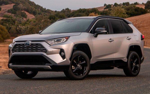 Куча минусов, но всё равно популярен: В чем причина успеха нового Toyota RAV4?