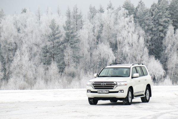 «Прогнулись» под УАЗ? Toyota Land Cruiser 200 станет дешевле – народный «Крузак» где-то рядом