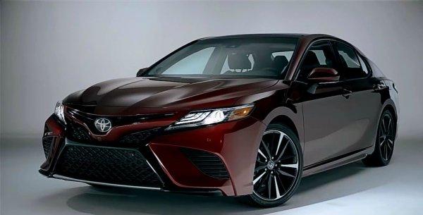 Созрели: Camry станет первым полноприводным седаном Toyota за 29 лет