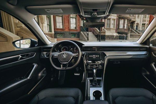 После такого «немца» за «Камри» выстроится очередь: Почему новый Volkswagen Passat в России ждет провал