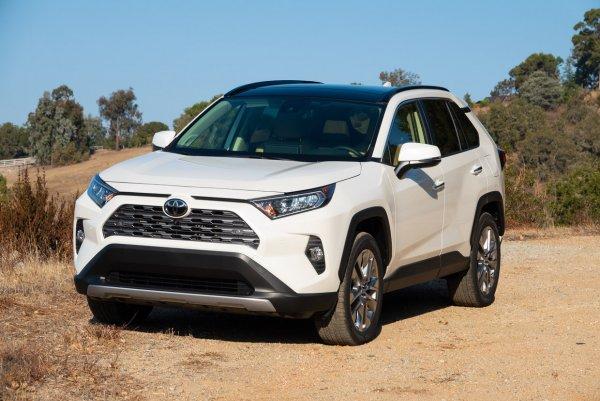 Время перемен: Почему Toyota RAV4 с вариатором лучше, чем с «автоматом»?