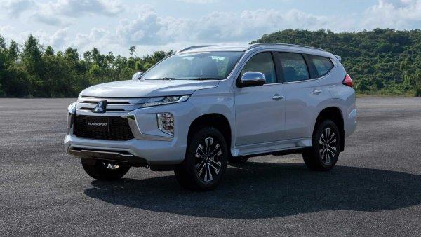 «Ещё свинью в багажник можно запихнуть»: За что ценят Mitsubishi Pajero Sport 2020 российские автолюбители?