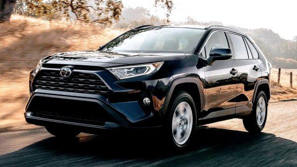 Позже будем плакать, а пока еще пошутим: Новый Toyota RAV4 оказался «не торт»