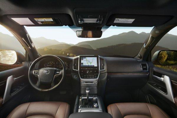 Лучший «Крузак» на горизонте? Каким станет Toyota Land Cruiser 200 в максимально дорогой спецверсии