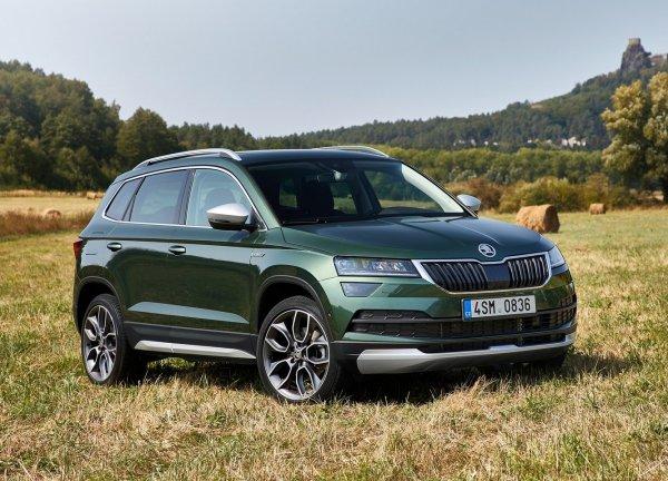 Комфорт или практичность: Что выбрать между Skoda Karoq и Volkswagen Tiguan?