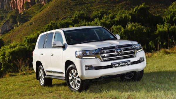 «Не поворачивает, не тормозит и воняет»: Давидыч раскрыл «всю правду» о Toyota Land Cruiser 200