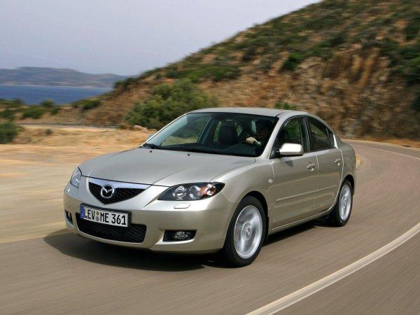Ржавый кузов и надёжные моторы: Чем собралась удивлять 15-летняя Mazda 3 ВК?
