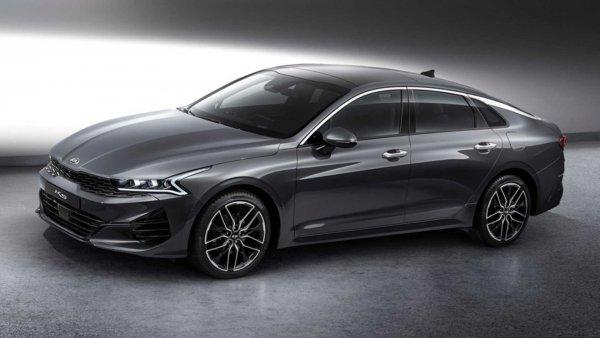 Корейцы решили «нагнуть» японцев: Вслед за Toyota Camry полный привод появится на KIA Optima