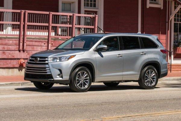 Простой, надежный и недорогой: Почему россиянам не стоит отказываться от покупки подержанного Toyota Highlander